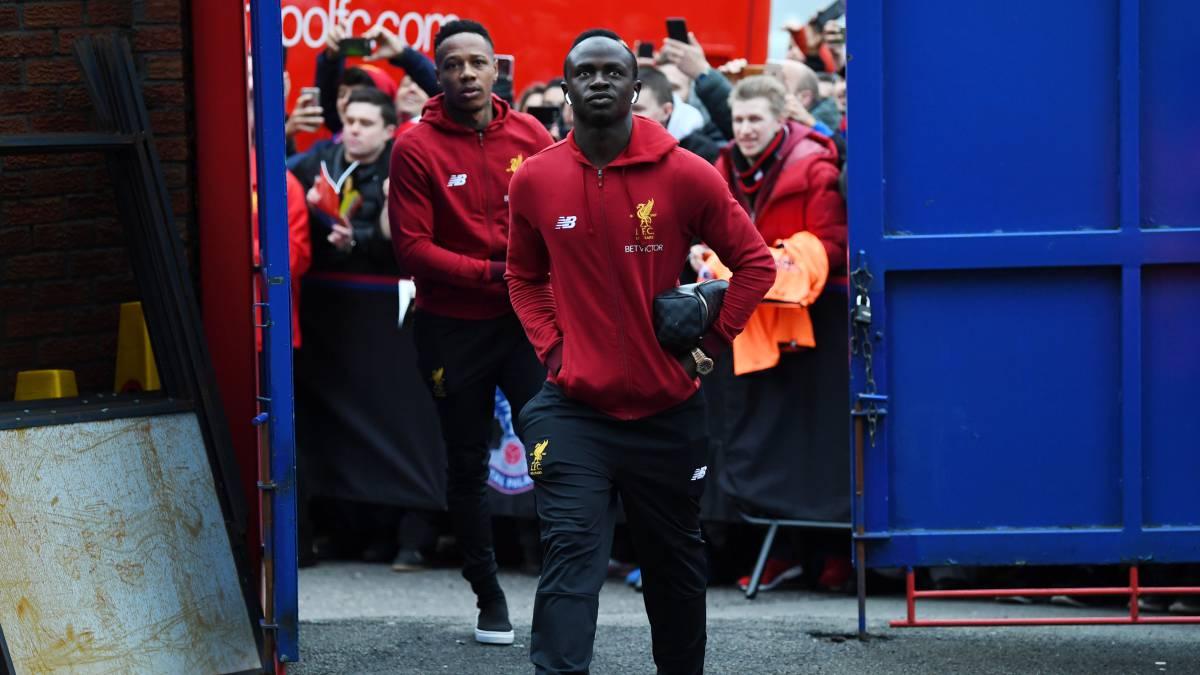 Sadio Mané envía 300 camisetas del Liverpool a Senegal