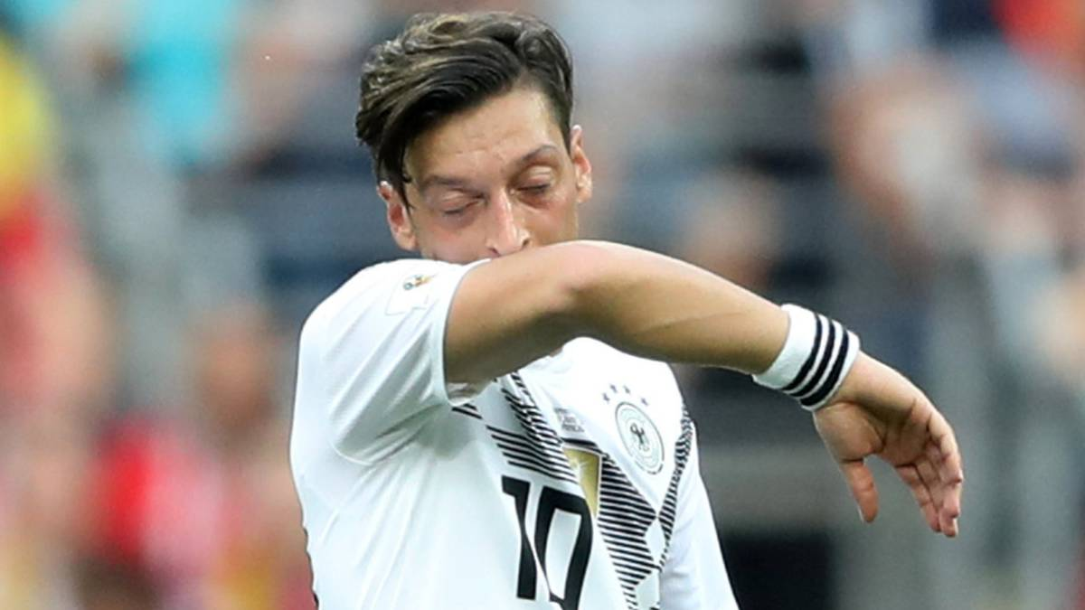 Alemania | Matthäus se suma a las críticas a Özil: \