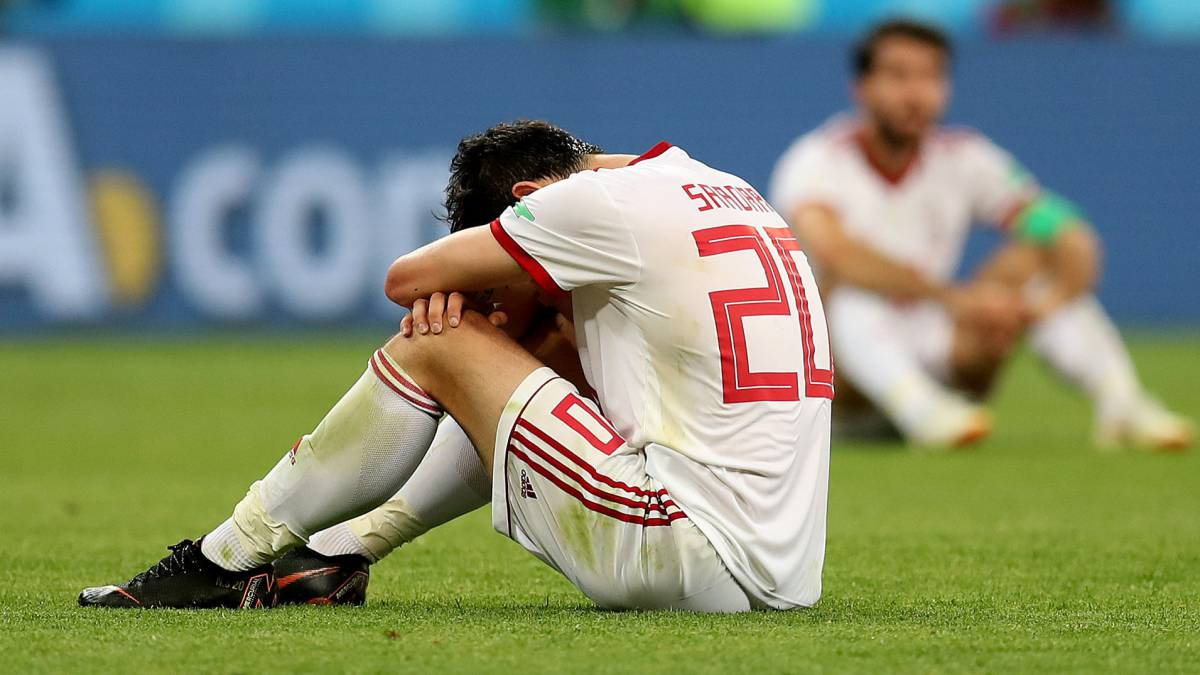 Futbolista iraní se retira de la selección por bullying