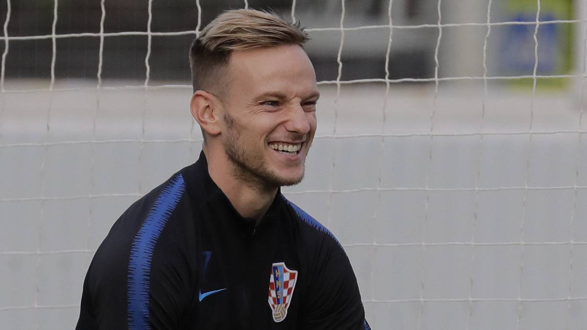 Croatia star shouts home town's massive Cup bar tab