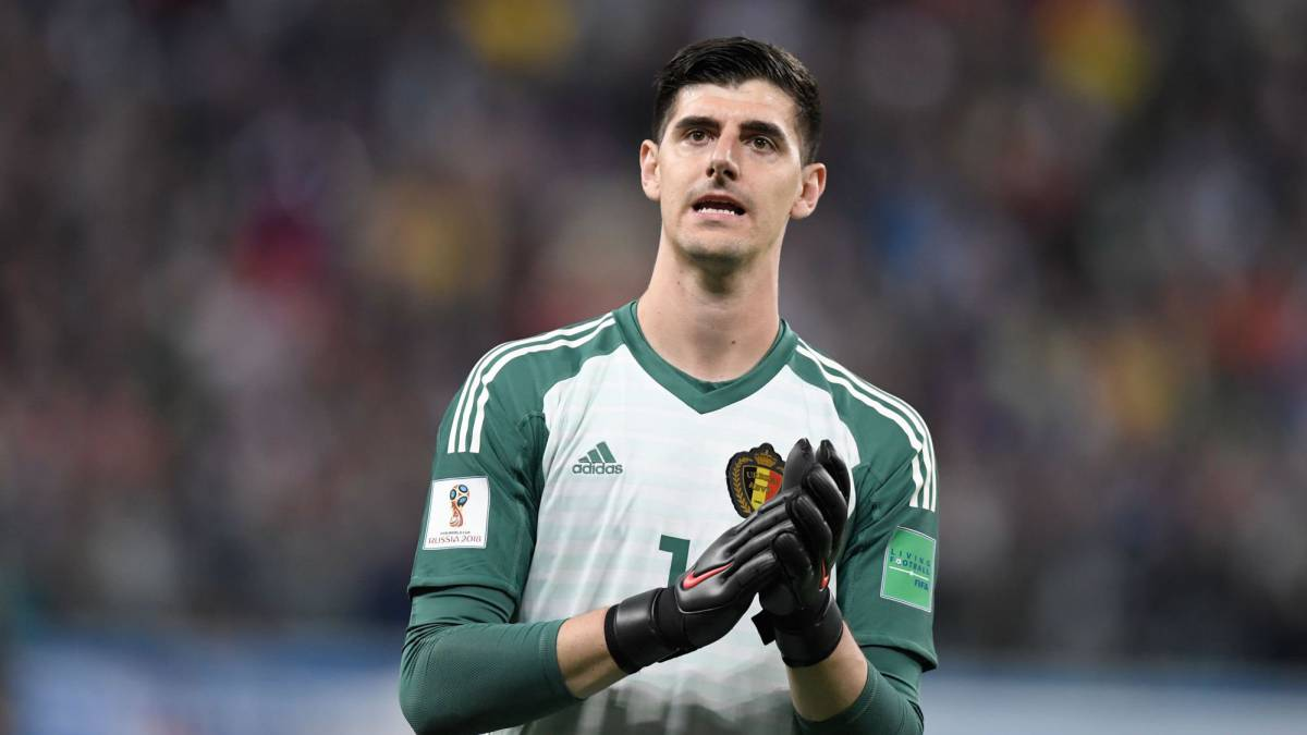 08722a8eb50 Chelsea's Courtois a step closer to joining Real Madrid. Thibaut Courtois  ...