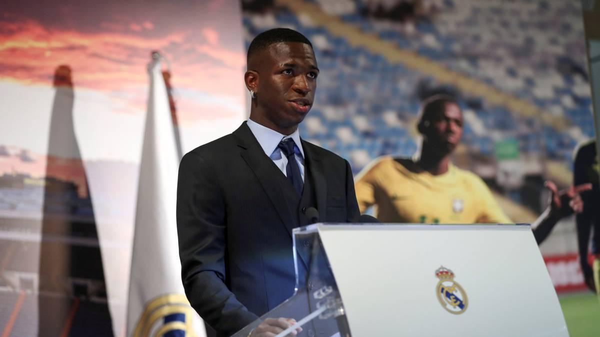 Presentación de Vinicius como jugador del Real Madrid en directo ... b997e6e8d44de