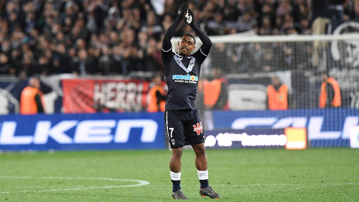 Barça make late move for Malcom after Roma had agreed deal