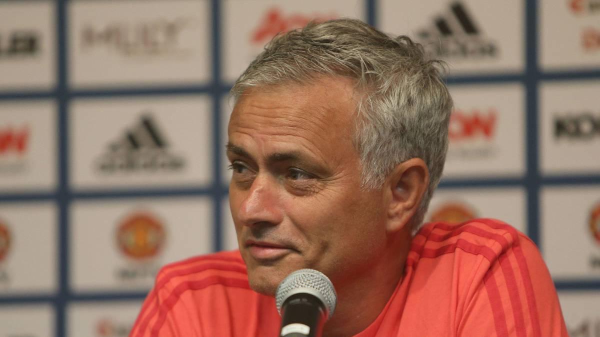 Tranquilidad para Mourinho: Llegó Sánchez a Estados Unidos