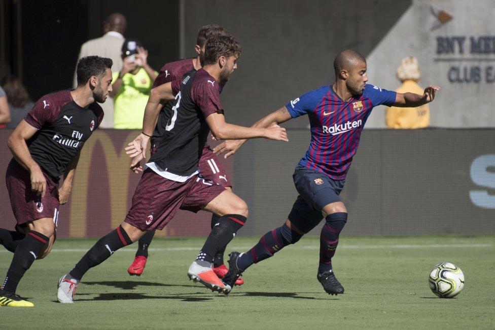 صور مباراة : برشلونة - ميلان 0-1 ( 05-08-2018 )  1533420980_381744_1533431548_album_grande