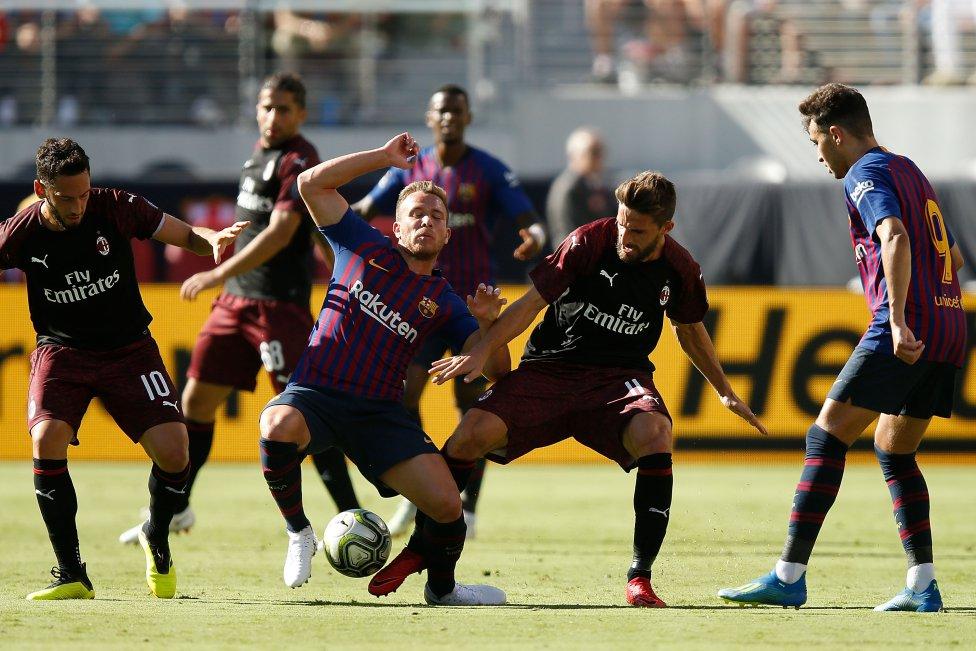 صور مباراة : برشلونة - ميلان 0-1 ( 05-08-2018 )  1533420980_381744_1533432807_album_grande