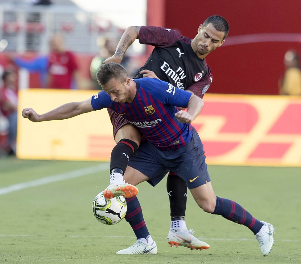 صور مباراة : برشلونة - ميلان 0-1 ( 05-08-2018 )  1533420980_381744_1533435372_album_grande