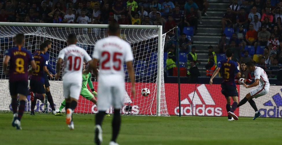صور مباراة : برشلونة - إشبيلية 2-1 ( 13-08-2018 )  1534099849_559450_1534105674_album_grande