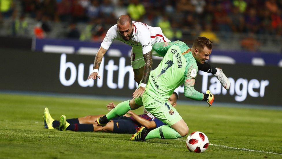 صور مباراة : برشلونة - إشبيلية 2-1 ( 13-08-2018 )  1534099849_559450_1534112502_album_grande