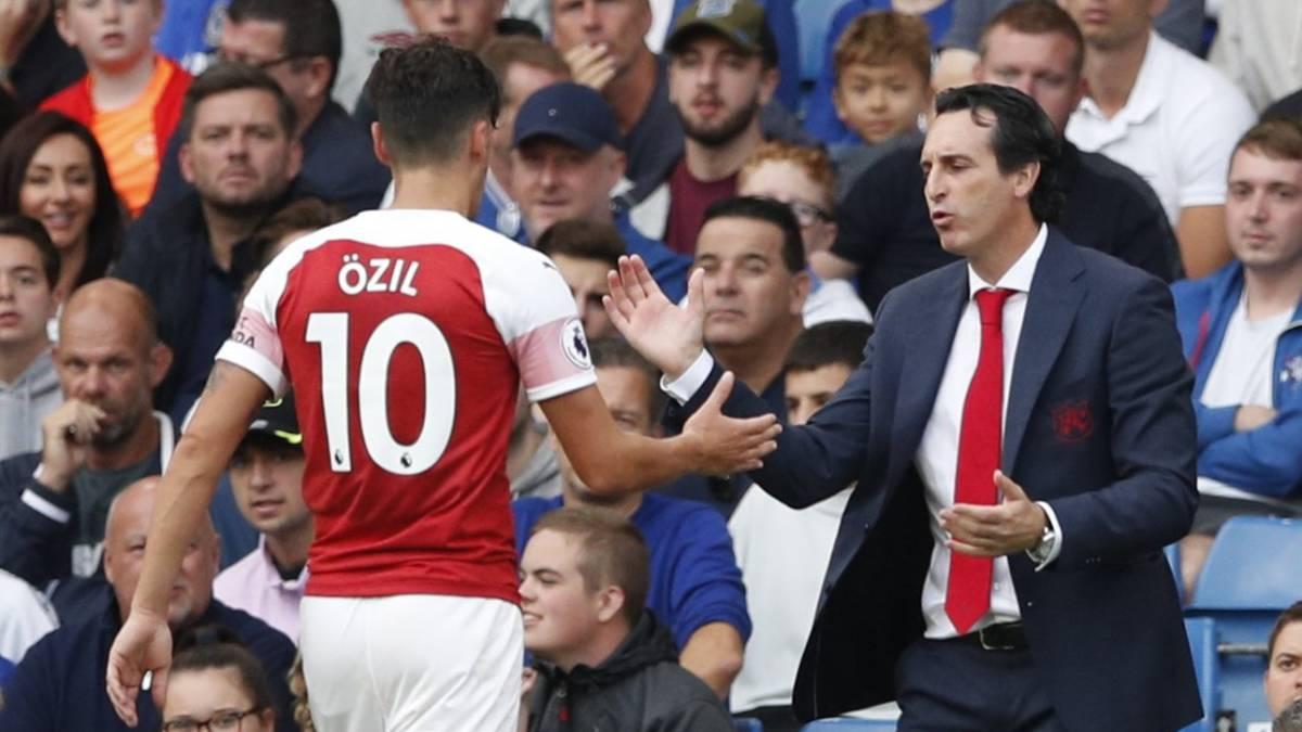 ESPN habla de una bronca entre Özil y Emery  el técnico lo niega ... 2c00e5b48d7ee