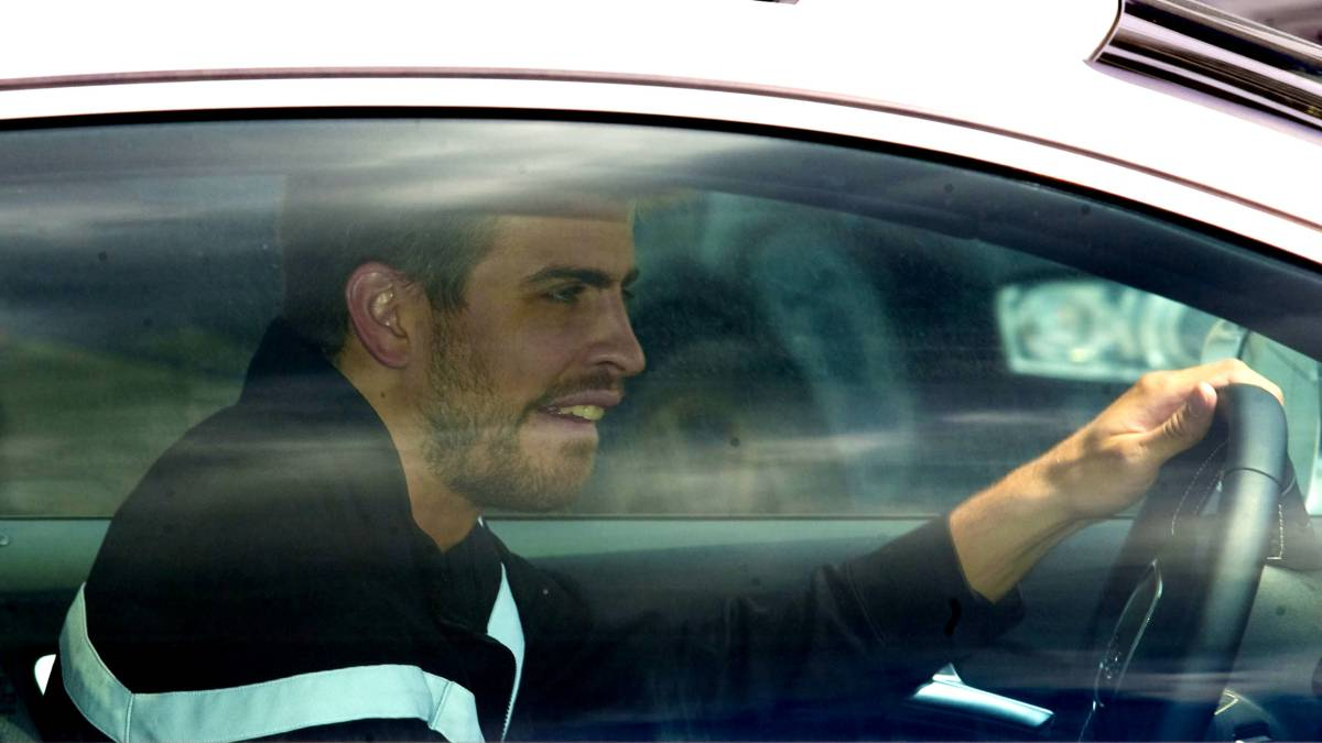 La Guardia Urbana denuncia a Piqué por conducir sin puntos en Barcelona