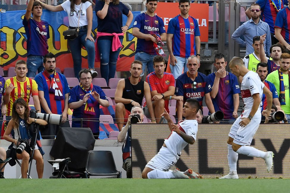 صور مباراة : برشلونة - هويسكا 8-2 ( 02-09-2018 )  1535906169_326049_1535907508_album_grande