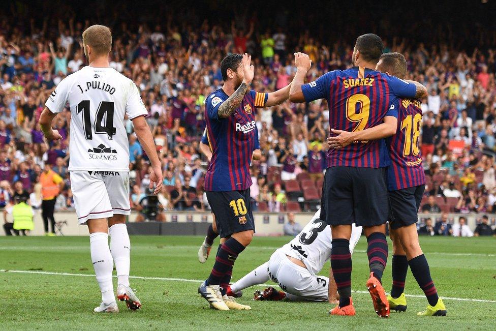 صور مباراة : برشلونة - هويسكا 8-2 ( 02-09-2018 )  1535906169_326049_1535908932_album_grande