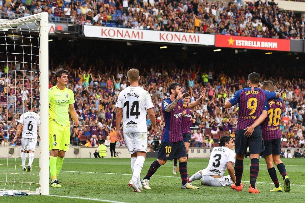 صور مباراة : برشلونة - هويسكا 8-2 ( 02-09-2018 )  1535906169_326049_1535908933_album_grande