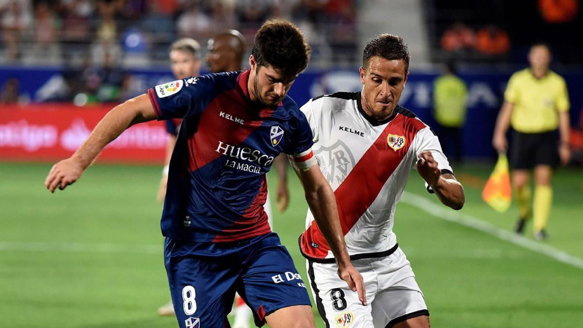 Resumen y gol del Huesca 0-1 Rayo Vallecano. Un misil de Imbula directo 3f78e68b5b257