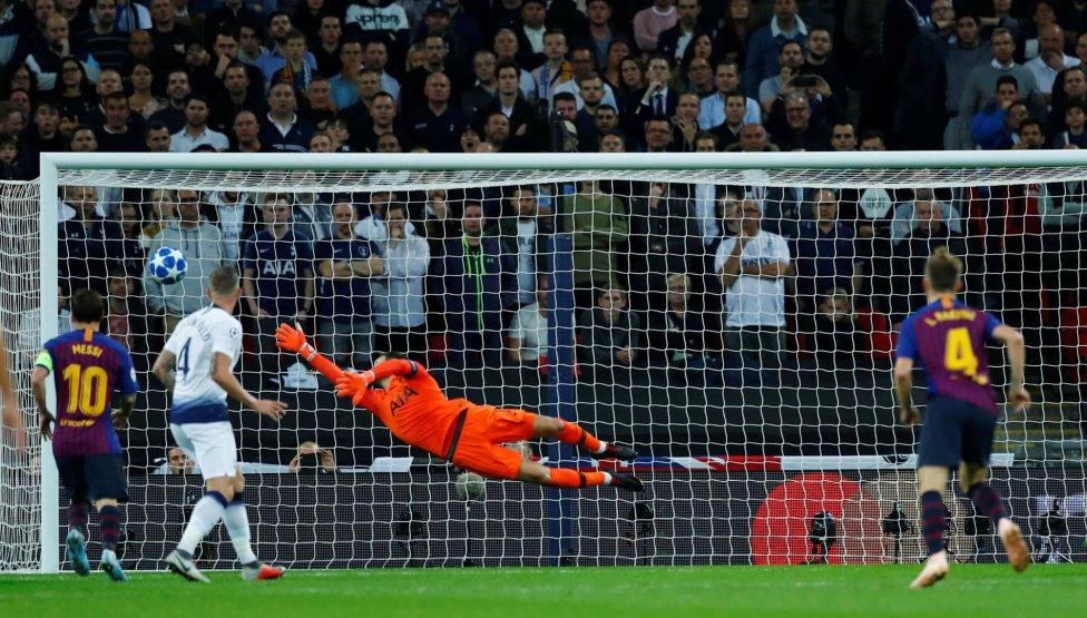 صور مباراة : توتنهام - برشلونة 2-4 ( 03-10-2018 )  1538590694_056078_1538595747_album_grande