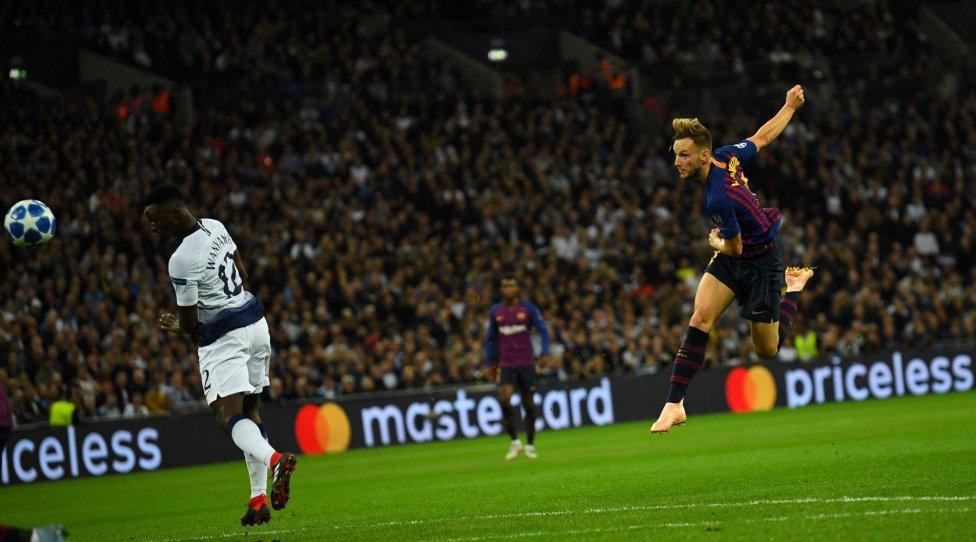 صور مباراة : توتنهام - برشلونة 2-4 ( 03-10-2018 )  1538590694_056078_1538595749_album_grande