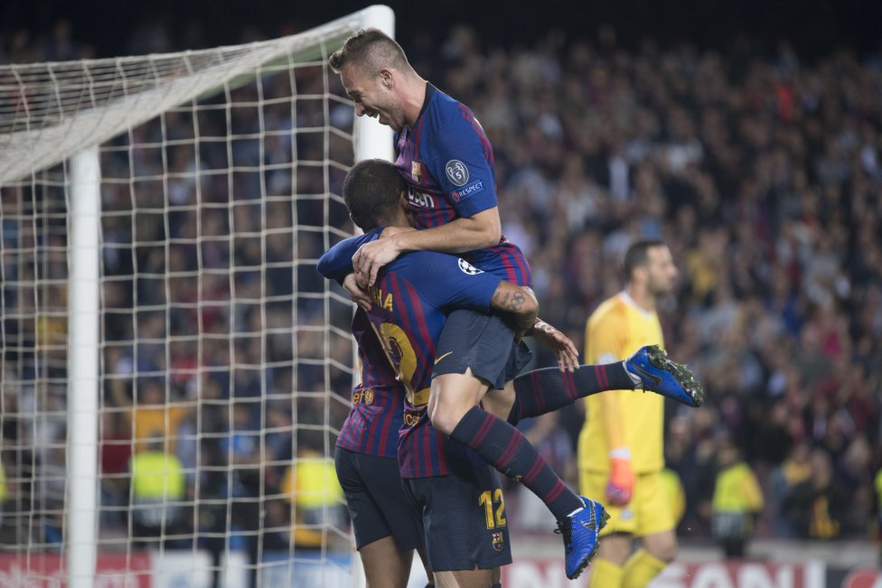 صور مباراة : برشلونة - إنتر ميلان 2-0 ( 24-10-2018 )  1540408387_114463_1540413583_album_grande