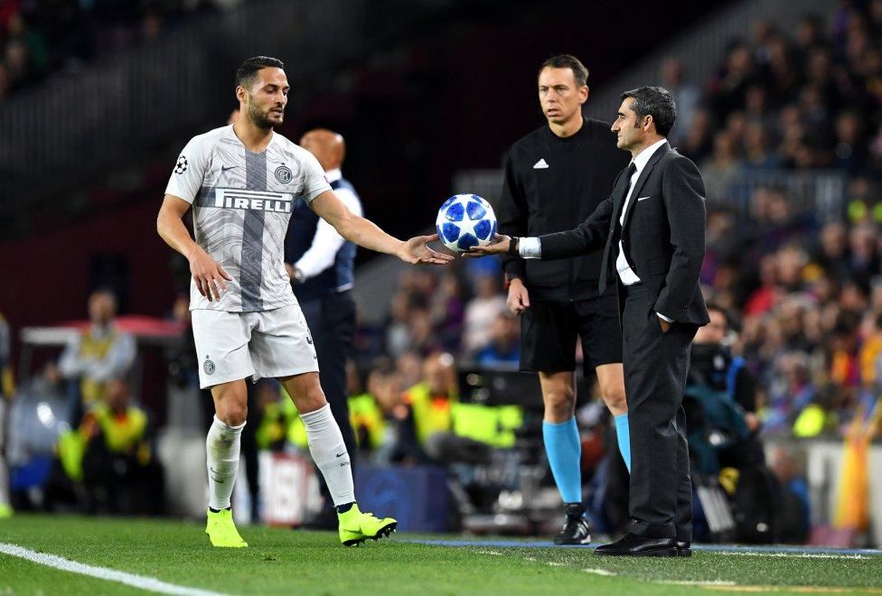 صور مباراة : برشلونة - إنتر ميلان 2-0 ( 24-10-2018 )  1540408387_114463_1540414324_album_grande