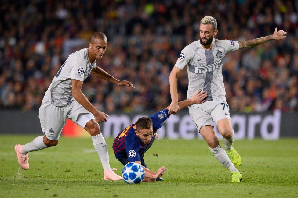 صور مباراة : برشلونة - إنتر ميلان 2-0 ( 24-10-2018 )  1540408387_114463_1540414327_album_grande