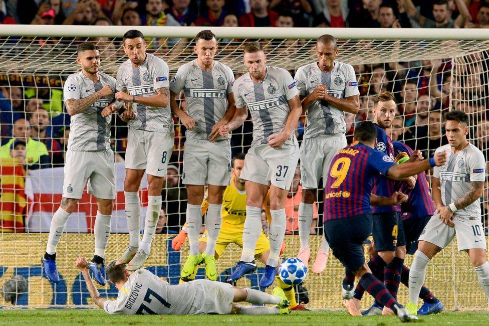صور مباراة : برشلونة - إنتر ميلان 2-0 ( 24-10-2018 )  1540408387_114463_1540414328_album_grande