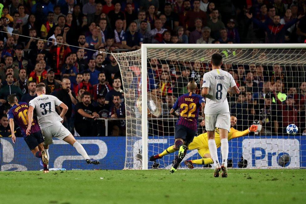 صور مباراة : برشلونة - إنتر ميلان 2-0 ( 24-10-2018 )  1540408387_114463_1540416233_album_grande