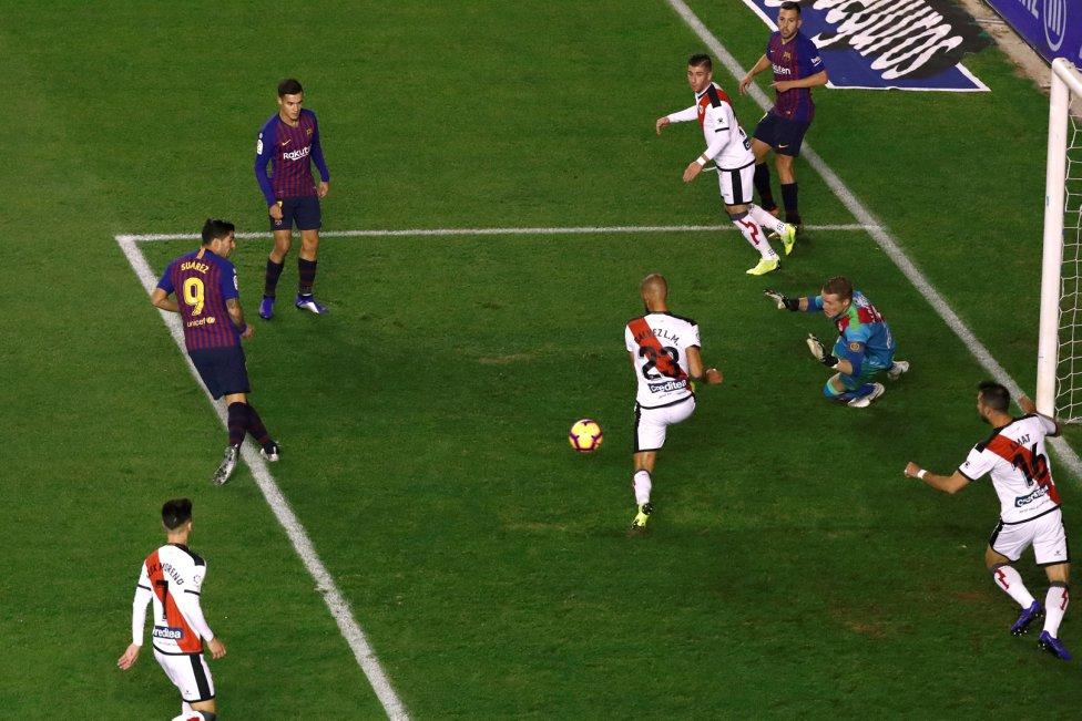 صور مباراة : رايو فاليكانو - برشلونة 2-3 ( 03-11-2018 )  1541275050_663810_1541276058_album_grande