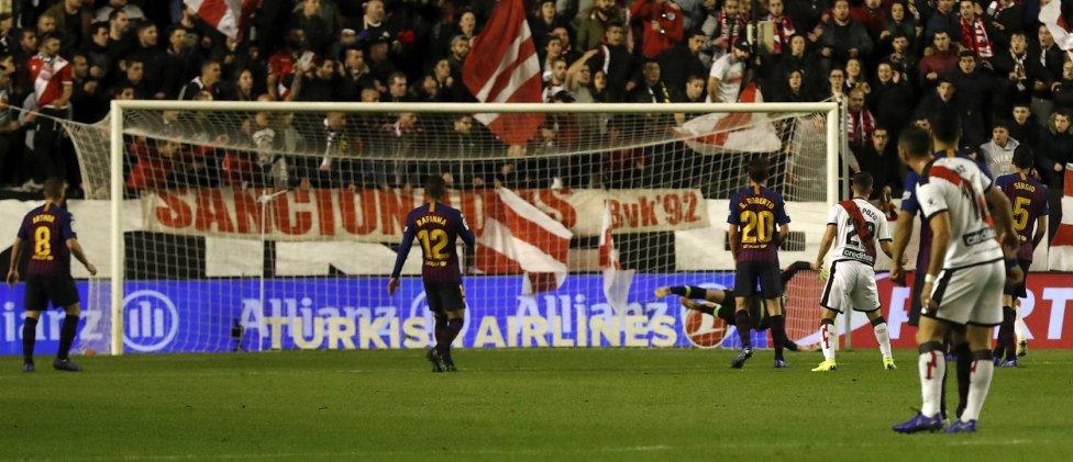 صور مباراة : رايو فاليكانو - برشلونة 2-3 ( 03-11-2018 )  1541275050_663810_1541278495_album_grande