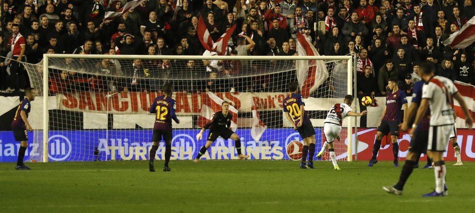 صور مباراة : رايو فاليكانو - برشلونة 2-3 ( 03-11-2018 )  1541275050_663810_1541278496_album_grande