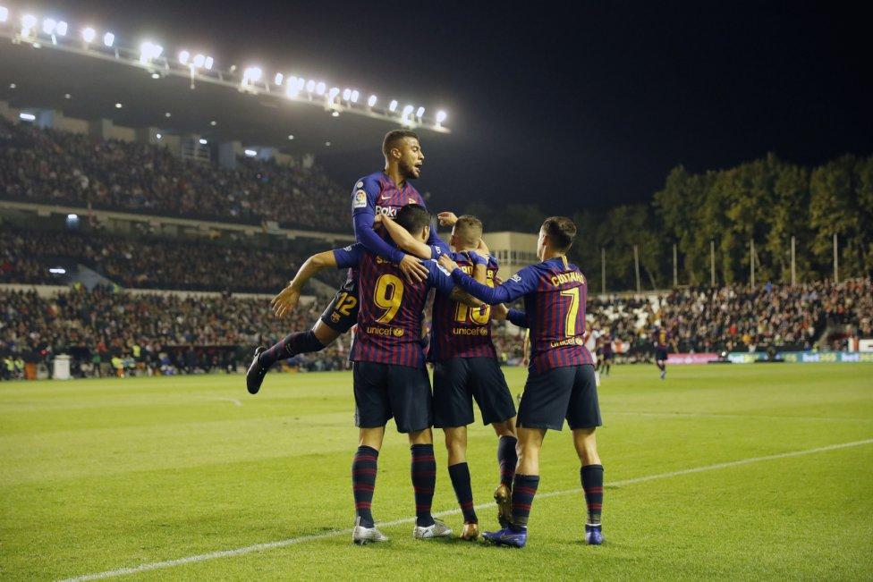صور مباراة : رايو فاليكانو - برشلونة 2-3 ( 03-11-2018 )  1541275050_663810_1541279207_album_grande