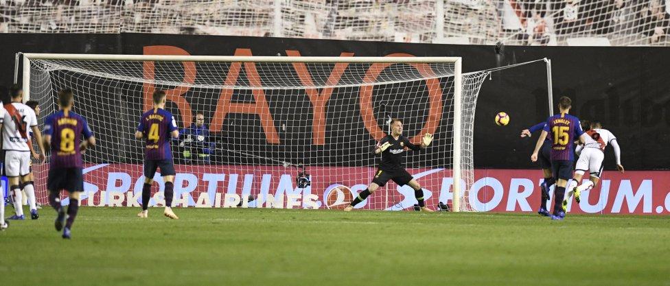 صور مباراة : رايو فاليكانو - برشلونة 2-3 ( 03-11-2018 )  1541275050_663810_1541280734_album_grande