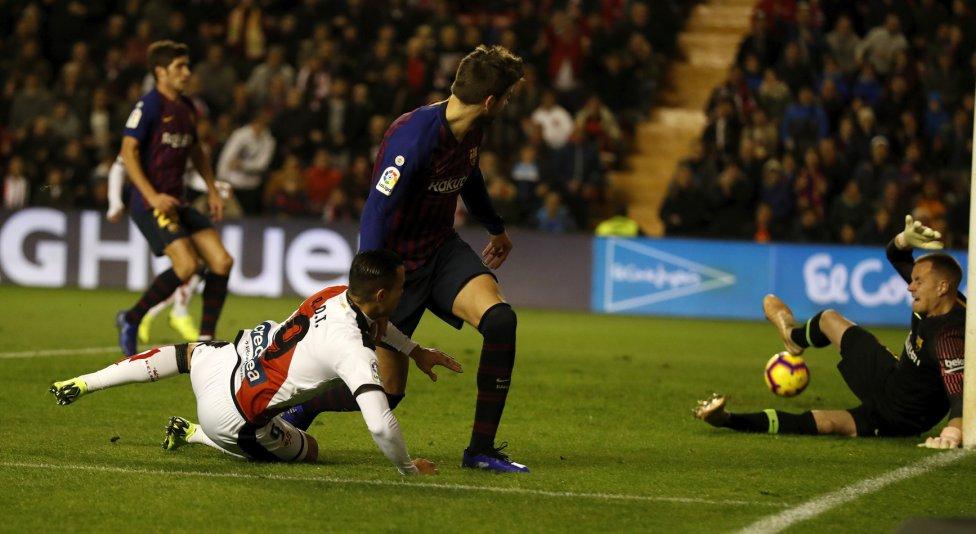 صور مباراة : رايو فاليكانو - برشلونة 2-3 ( 03-11-2018 )  1541275050_663810_1541280743_album_grande
