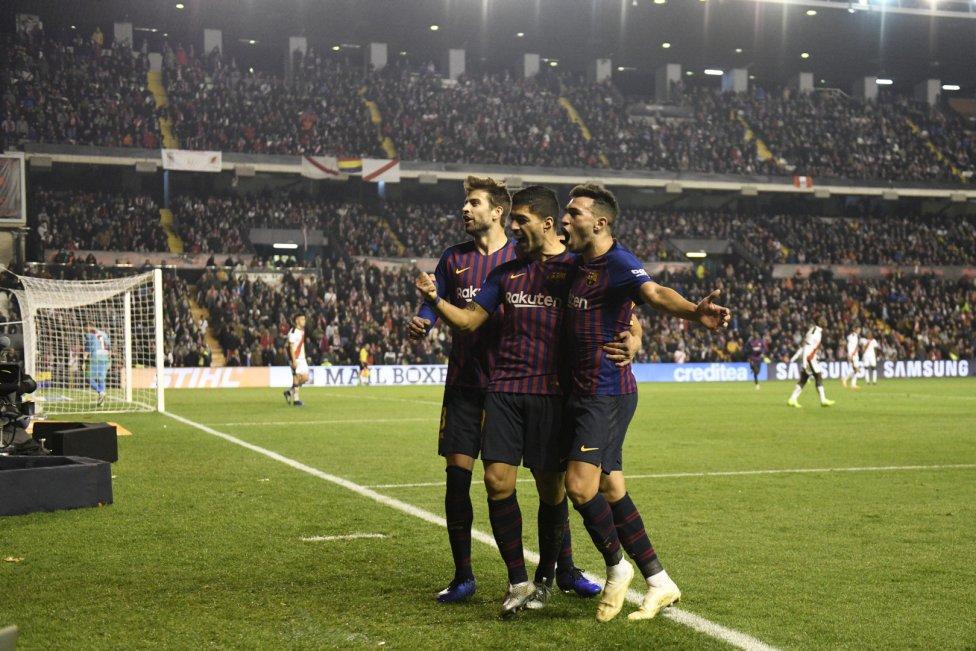 صور مباراة : رايو فاليكانو - برشلونة 2-3 ( 03-11-2018 )  1541275050_663810_1541284239_album_grande