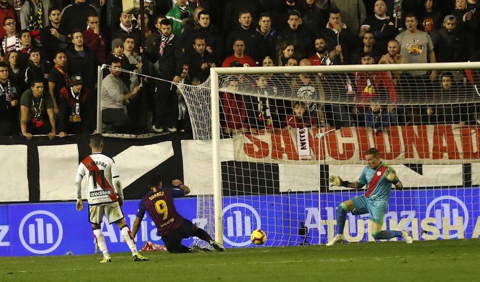 صور مباراة : رايو فاليكانو - برشلونة 2-3 ( 03-11-2018 )  1541275050_663810_1541284242_album_grande