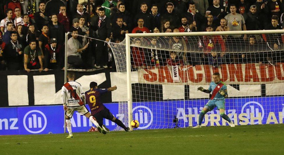 صور مباراة : رايو فاليكانو - برشلونة 2-3 ( 03-11-2018 )  1541275050_663810_1541284243_album_grande