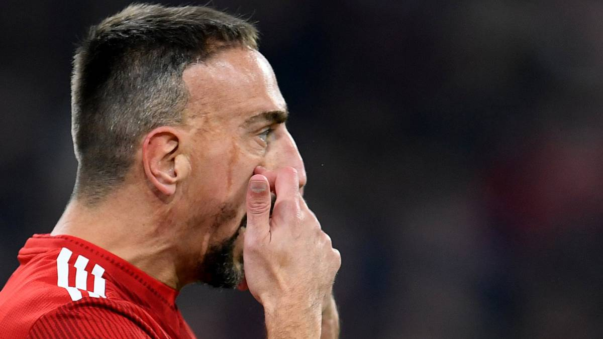 Ribery pierde totalmente los nervios con un periodista y sobrepasa los límites