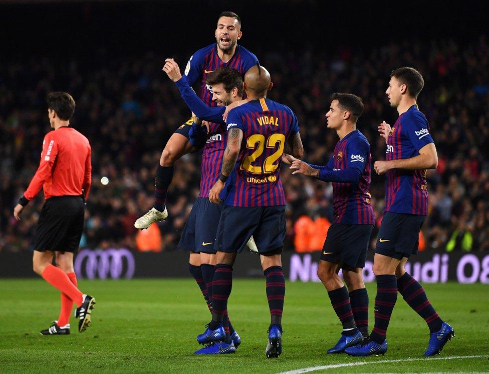 صور مباراة : برشلونة - فياريال 2-0 ( 02-12-2018 )  1543770516_747153_1543776842_album_grande