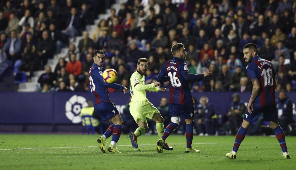 صور مباراة : ليفانتي - برشلونة 0-5 ( 16-12-2018 )  1544989648_089308_1544993955_album_grande