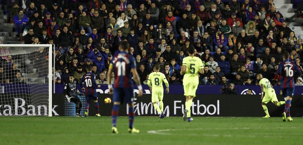 صور مباراة : ليفانتي - برشلونة 0-5 ( 16-12-2018 )  1544989648_089308_1544996383_album_grande