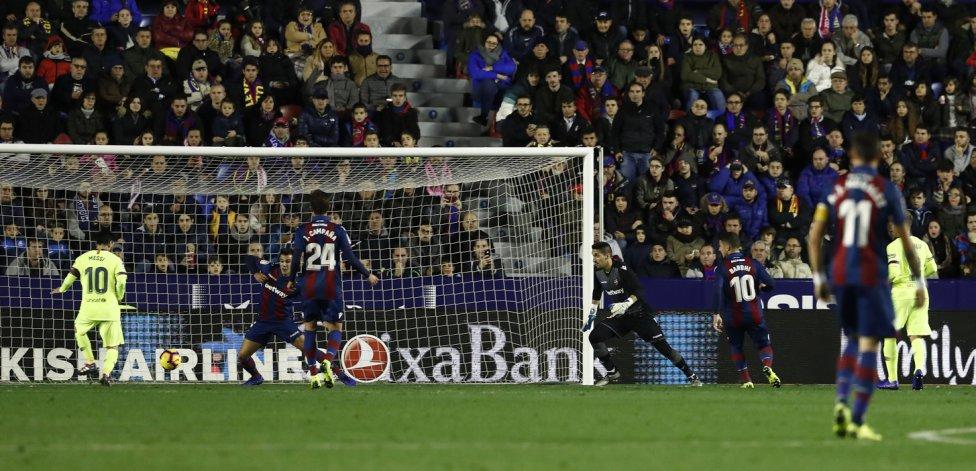 صور مباراة : ليفانتي - برشلونة 0-5 ( 16-12-2018 )  1544989648_089308_1544996384_album_grande