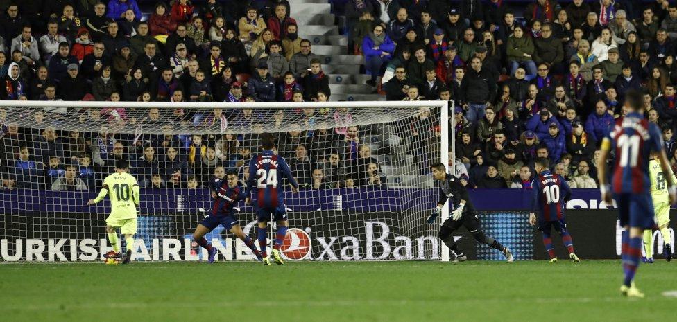 صور مباراة : ليفانتي - برشلونة 0-5 ( 16-12-2018 )  1544989648_089308_1544996385_album_grande