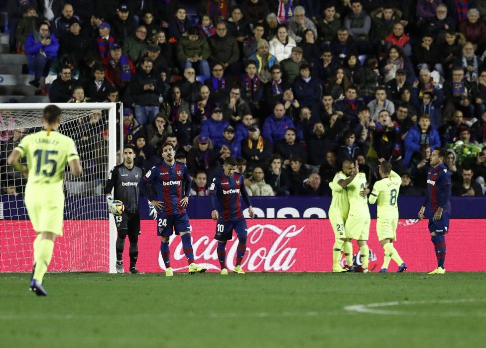 صور مباراة : ليفانتي - برشلونة 0-5 ( 16-12-2018 )  1544989648_089308_1544996387_album_grande