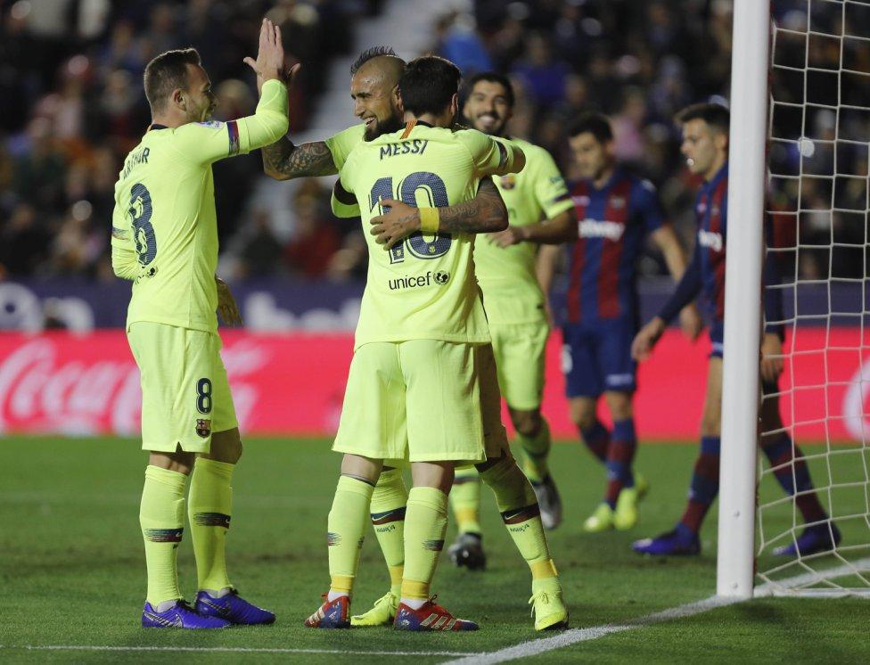 صور مباراة : ليفانتي - برشلونة 0-5 ( 16-12-2018 )  1544989648_089308_1544996389_album_grande