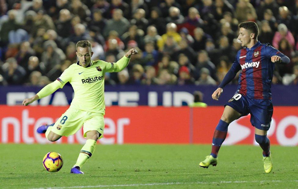 صور مباراة : ليفانتي - برشلونة 0-5 ( 16-12-2018 )  1544989648_089308_1544997165_album_grande