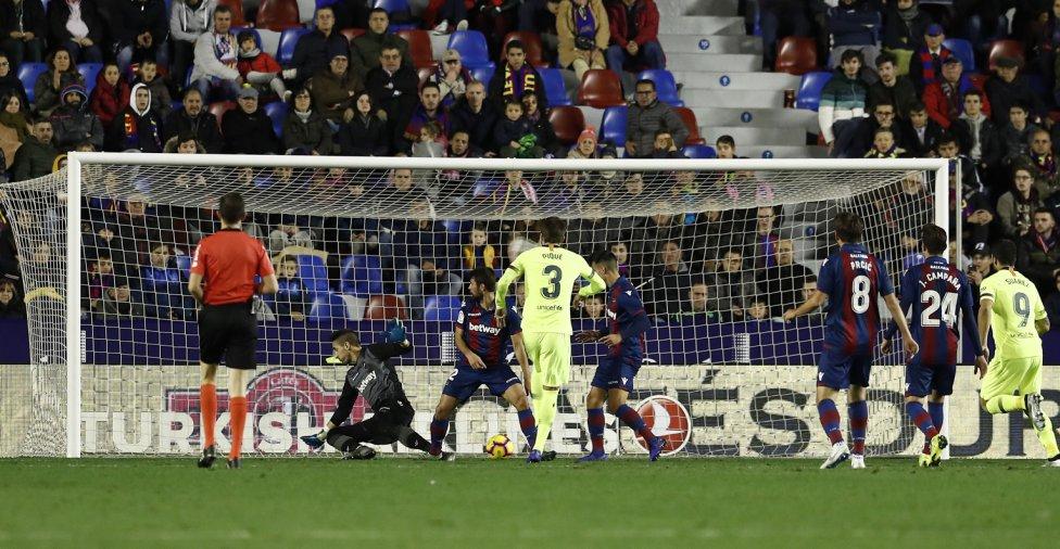 صور مباراة : ليفانتي - برشلونة 0-5 ( 16-12-2018 )  1544989648_089308_1544997910_album_grande