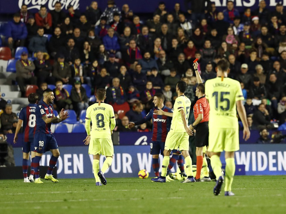 صور مباراة : ليفانتي - برشلونة 0-5 ( 16-12-2018 )  1544989648_089308_1544998021_album_grande