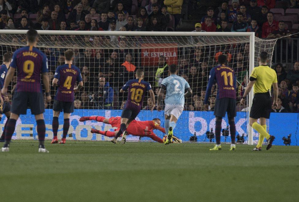 صور مباراة : برشلونة - سيلتا فيغو 2-0 ( 22-12-2018 )  1545500484_893824_1545502452_album_grande
