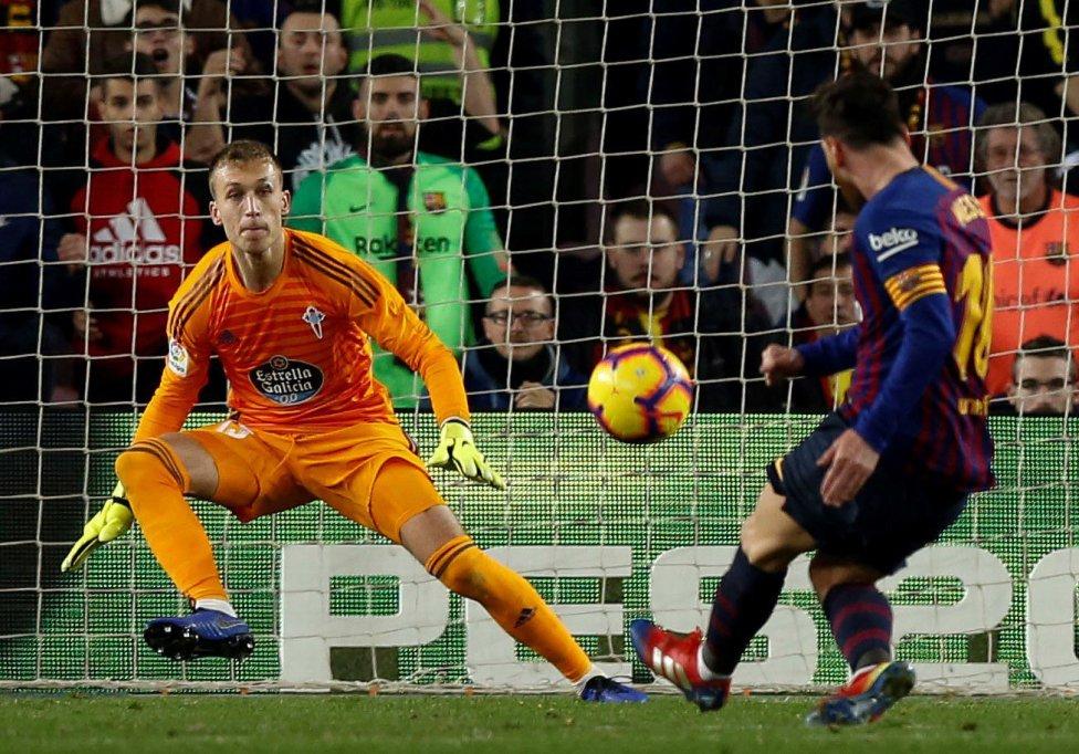صور مباراة : برشلونة - سيلتا فيغو 2-0 ( 22-12-2018 )  1545500484_893824_1545504254_album_grande