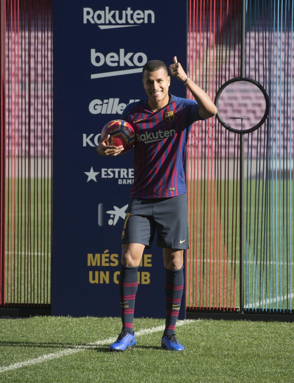 تقديم جيسون موريللو لاعب جديد في صفوف نادي برشلونة 1545912909_078282_1545914509_album_grande
