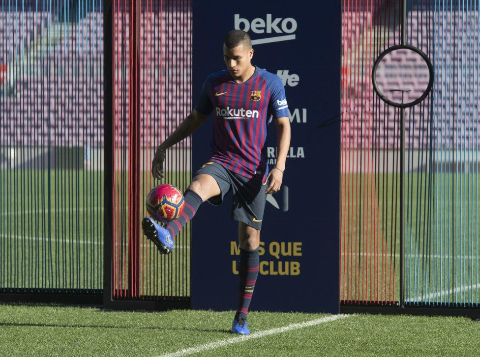 تقديم جيسون موريللو لاعب جديد في صفوف نادي برشلونة 1545912909_078282_1545914510_album_grande